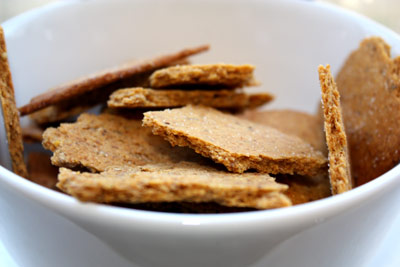 Snacky-salt-and-pepper-crackers